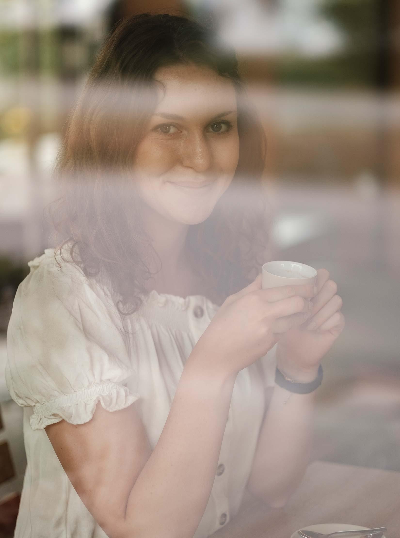 Kaffeepause in Erkheim beim Schützenbäck mit Blick auf die Günz